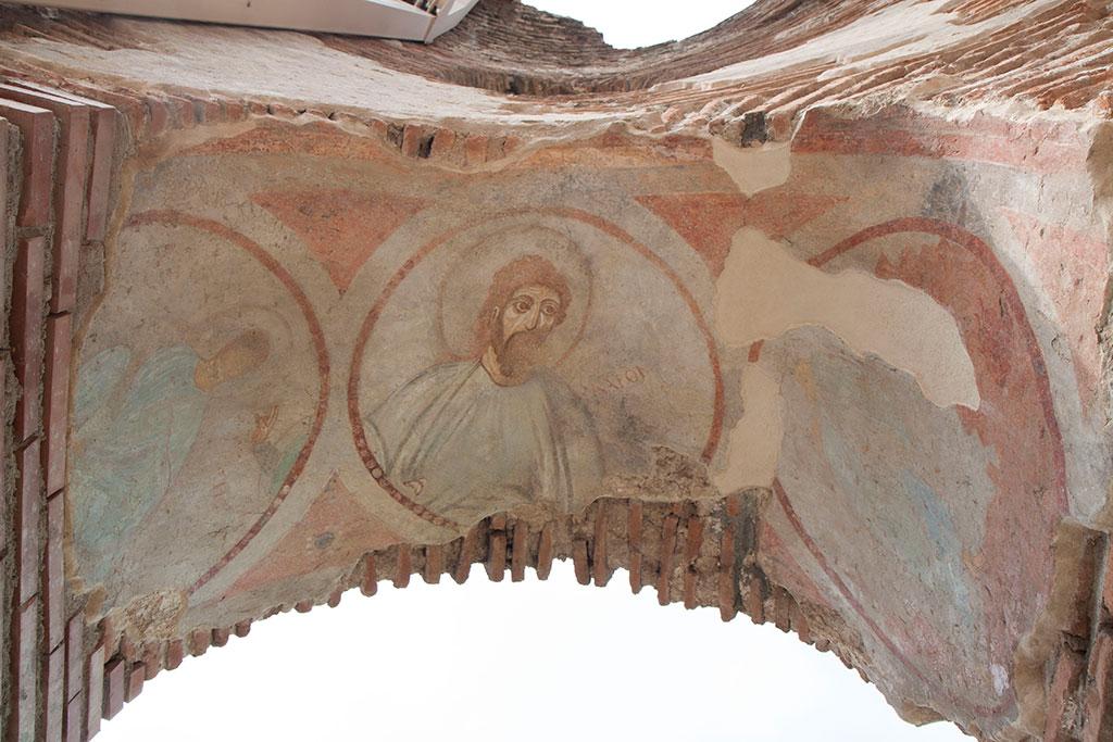 Стенописи от арките на червената Църква
