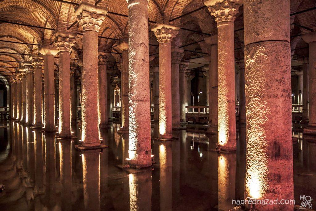 Колоните на Цистерна Базилика